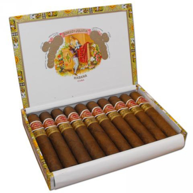 Romeo Y Julieta Short Churchill