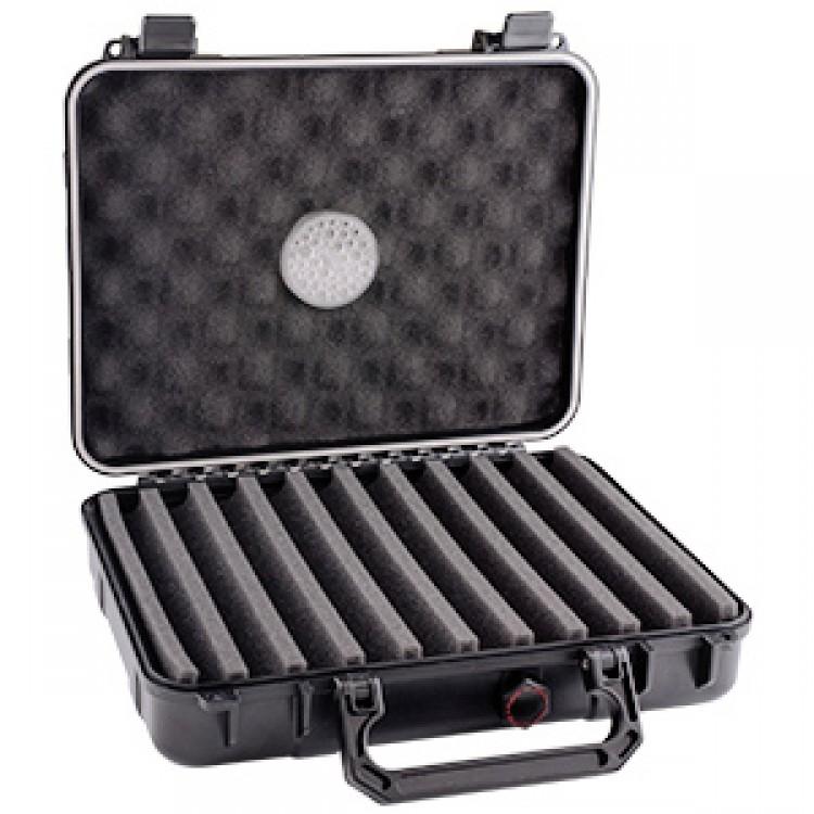 Xikar travel humidor for 18-24 cigars - black