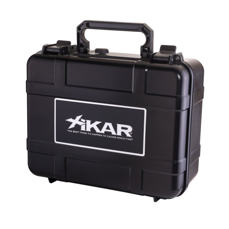 Xikar travel humidor for 40 cigars - black