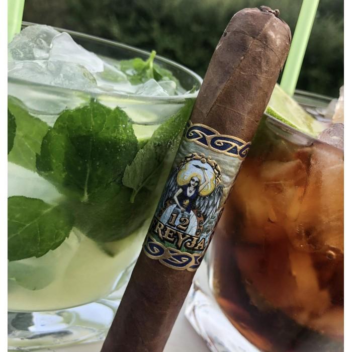 Cigarr och dryckesmatchning - Freyja Dvalinn